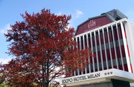 Expo_Hotel Milan_facciata_insegna_01 (Copy) - Copia.jpg